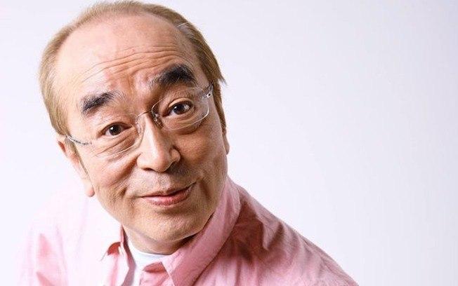 O comediante Ken Shimura, morreu aos 70 anos após contrair o coronavírus (Foto: Reprodução)