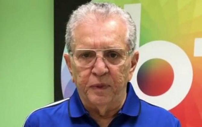 O famoso apresentador da A Praça É Nossa do SBT, Carlos Alberto de Nóbrega (Foto: Reprodução) William Bonner Globo