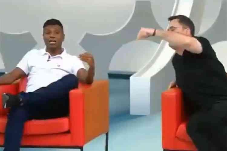 Edilson Capetinha e Fernando Fernandes brigaram feio em programa comandado por Neto na Band (Foto: Reprodução)