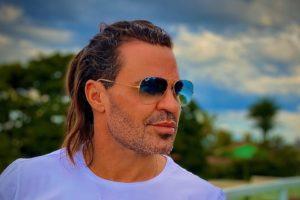 O cantor Eduardo Costa revelou ter um lado gay - Foto: Divulgação