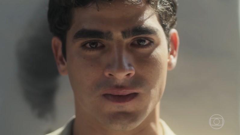 Lúcio (Jhona Burjack) em cena de Éramos Seis (Foto: Reprodução/Globo)