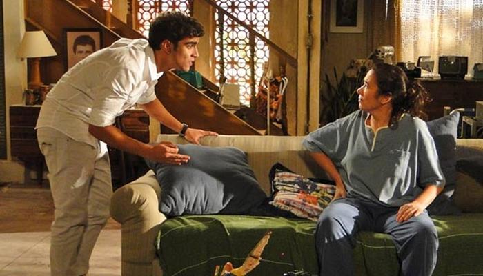 Antenor (Caio Castro) discute com Griselda (Lilia Cabral) em Fina Estampa (Foto: Reprodução/Globo)