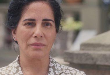 Gloria Pires interpreta Lola no remake de Éramos Seis na Globo; protagonista terá maldição quebrada (Foto: Reprodução/Globo)