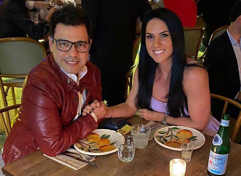 A famosa empresária e esposa do cantor sertanejo, Zezé de Carmargo, Graciele Lacerda se tornou um dos assuntos mais comentados da web após compartilhar um clique em que aparece mais velha ao lado do músico (Foto: Reprodução/instagram)