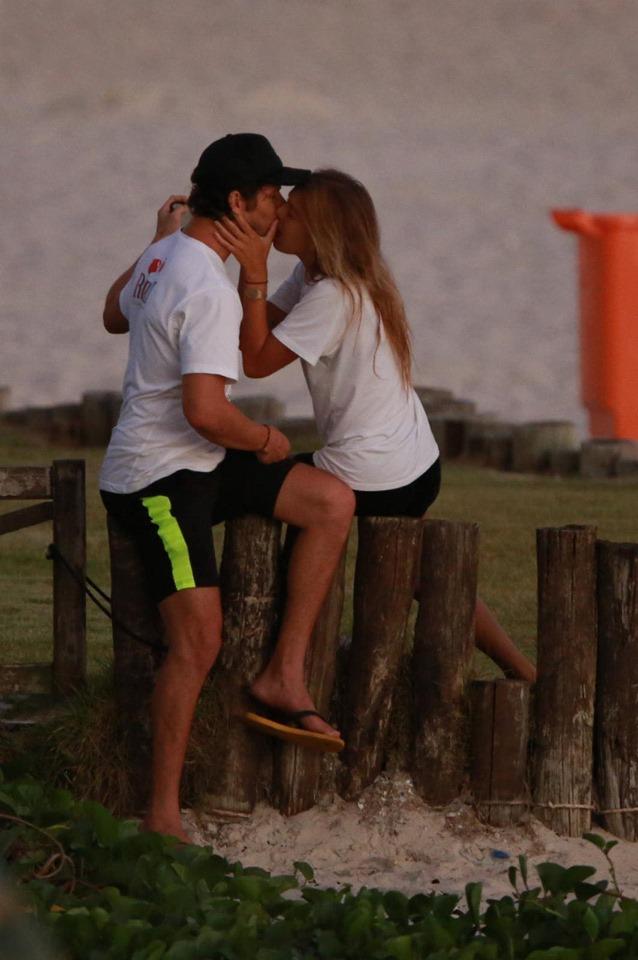 José Loreto é flagrado com modelo em meio à pandemia (Foto: Divlugação / AgNews)