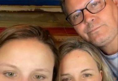 Família de Larissa Manoela se reúne durante live (Foto: Reprodução)