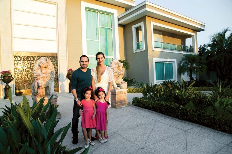 Luciano Camago e sua família (Foto: reprodução)