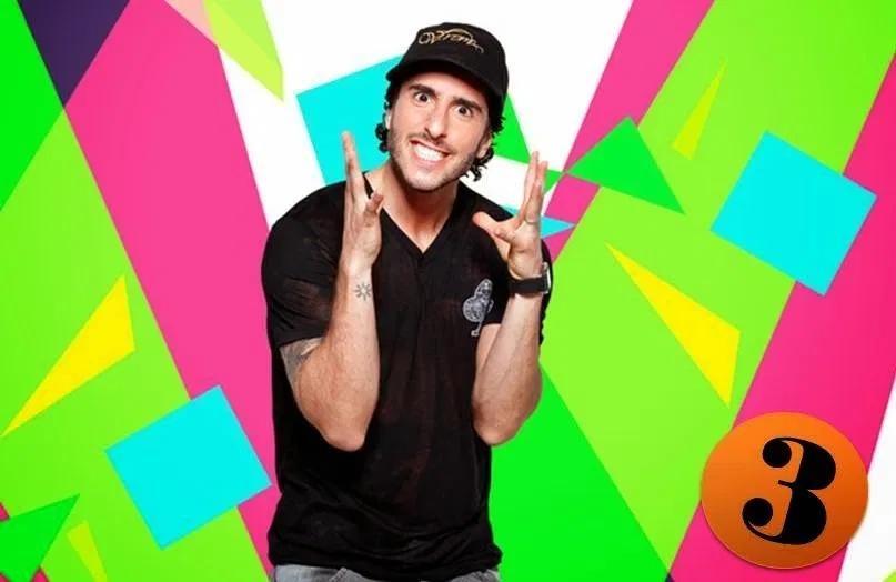 O apresentador na MTV Brasil (Foto: reprodução)