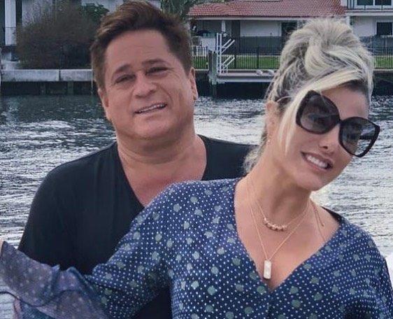 A esposa do famoso cantor sertanejo, Leonardo, Poliana Rocha deixou os seus seguidores de queixo caído ao esbanjar sensualidade só de biquíni nas redes sociais mostrando que está com tudo me dia (Foto: Reprodução/Instagram)