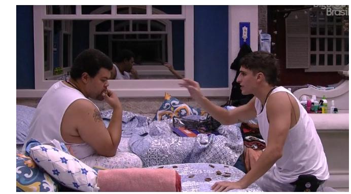 BBB 20: Felipe Prior e Babu discutem em festa do pijama (Foto: Reprodução/GloboPlay)