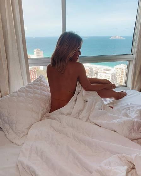 Rafa Kalimann faz sucesso com fotos sensuais (Foto: reprodução/ instagram)