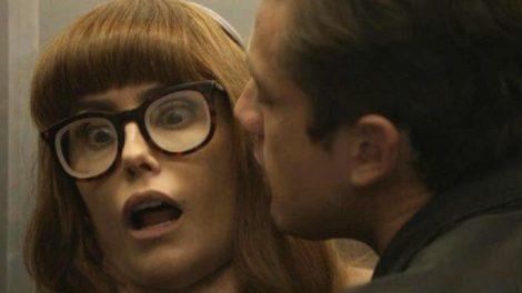 Salve-se Quem Puder, Alexia é desmascarada após se disfarçar (Imagem: Divulgação)