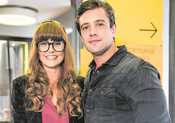 Deborah Secco com novo visual para Alexia e Rafael Cardoso em Salve-se Quem Puder (Foto: Divulgação/Globo)