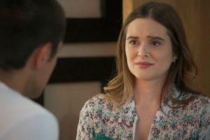 Luna (Juliana Paiva) desistirá de viver romance para desmascarar a mãe em Salve-se Quem Puder (Foto: Reprodução/Globo)