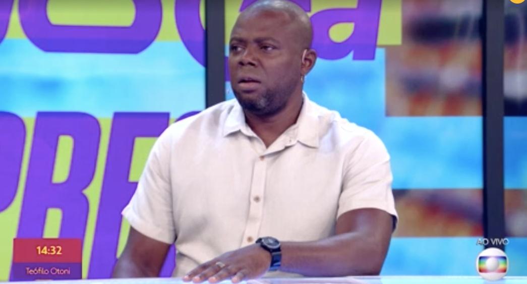 Érico Brás indignado com o erro no 'Se Joga' (Foto: reprodução/Globo)