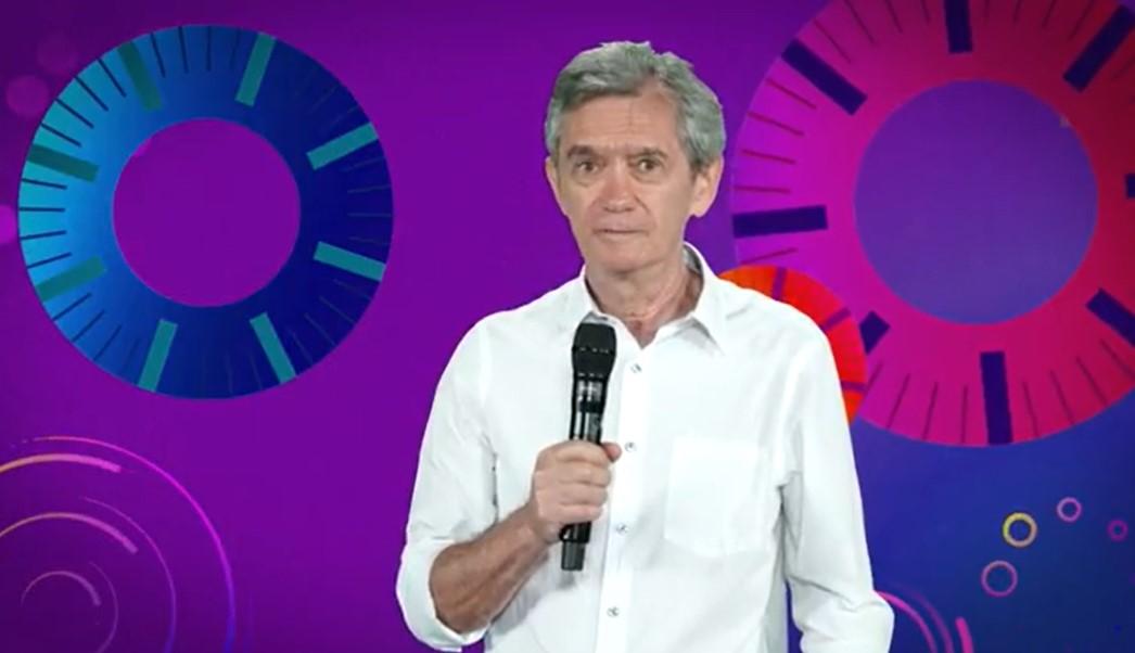 Serginho Groisman ao anunciar o fim temporário do Altas Horas - Foto: Reprodução