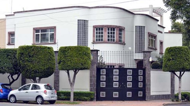 Faxada da antiga mansão de Roberto Bolaños na Cidade do México. (Foto: Divulgação)