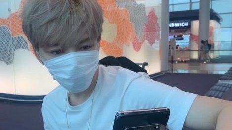Cantor K-pop, mente e diz que tem coronavírus em pegadinha de 1º de abril (Foto: Reprodução)