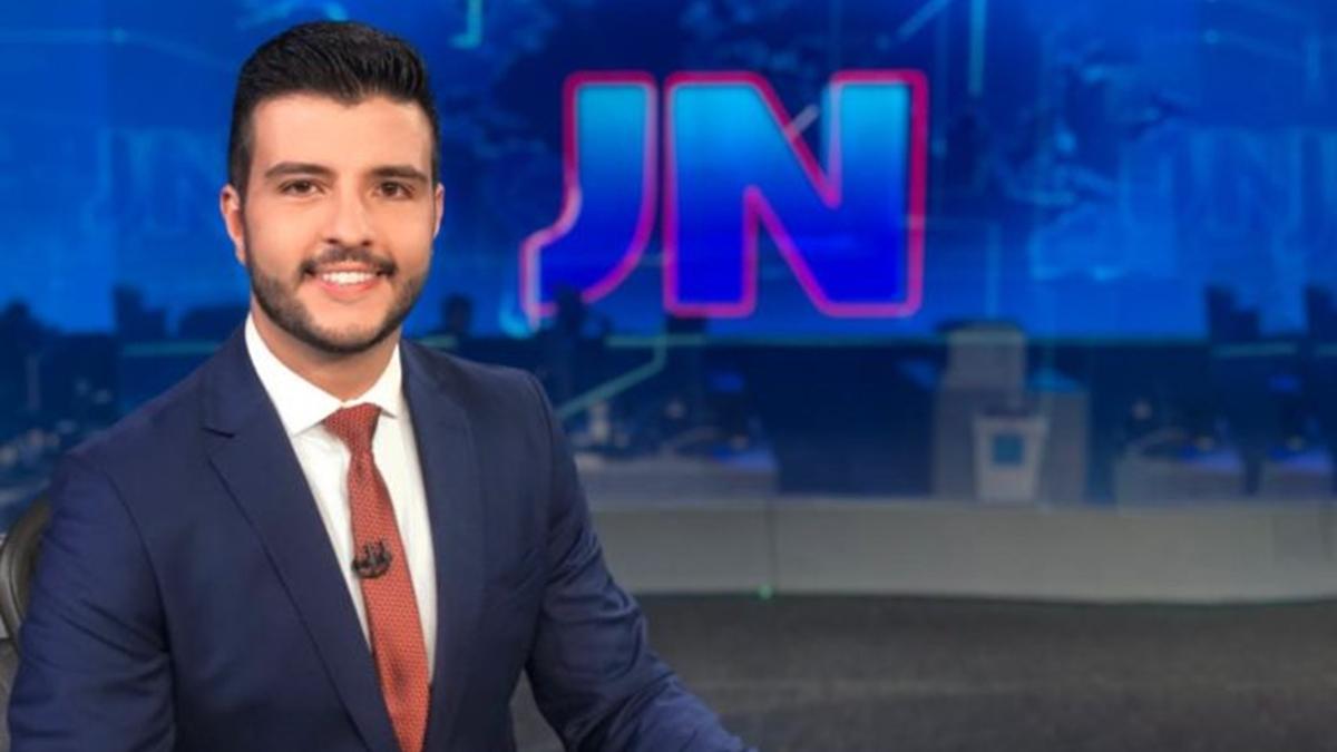 Matheus Ribeiro na Bancada do JN (Foto: Globo)