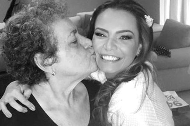Milena Toscano ao lado da sua mãe, Maria Goretti (Foto: Reprodução)