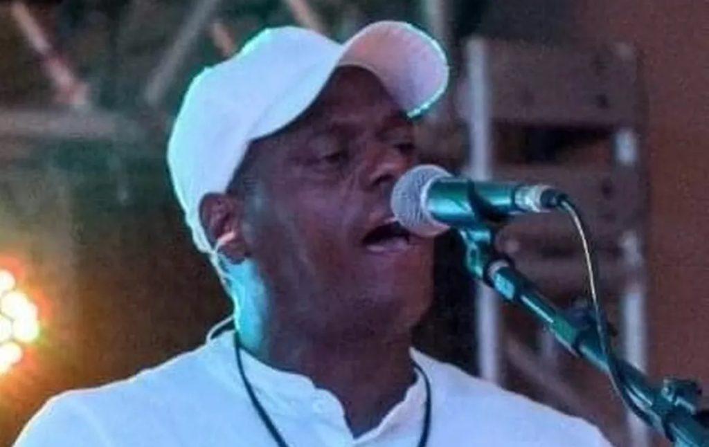 Músico Nêgo Ni morreu com suspeita de coronavírus (Foto: Reprodução)