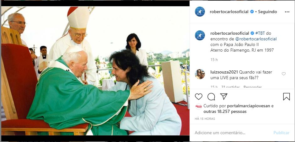 Roberto Carlos e Papa João Paulo II (Foto: Reprodução)