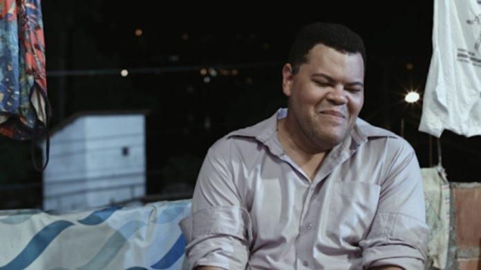 Babu Santana, do BBB20, já interpretou um gay afeminado nos cinemas (Foto: reprodução)