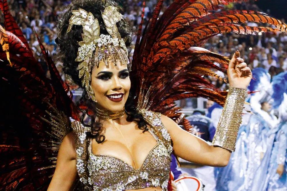 A morena como destaque no carnaval (Foto: reprodução)