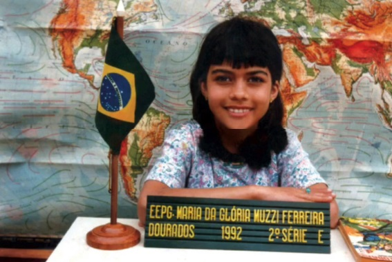 Daniela Albuquerque ainda criança (Foto: reprodução)