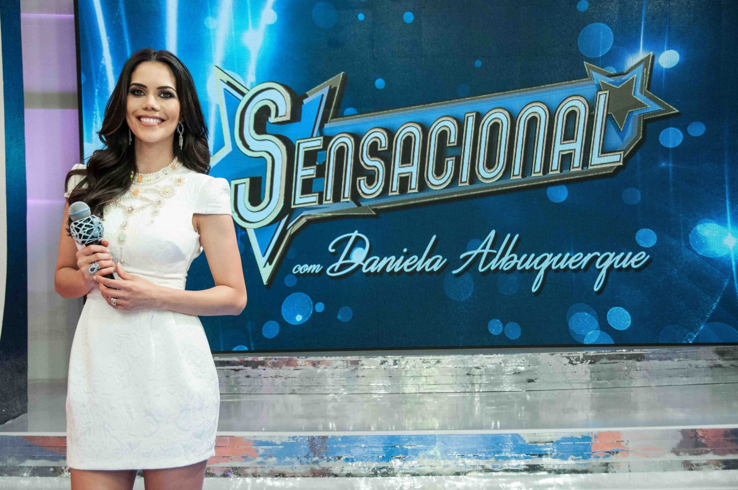 Daniela Albuquerque no 'Sensacional' (Foto: reprodução/RedeTV!)