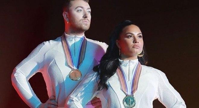 Foto promocional da música que os dois lançaram juntos (Foto: Reprodução)