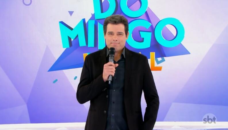 O apresentador Celso Portiolli comanda o Domingo Legal - Foto: Reprodução
