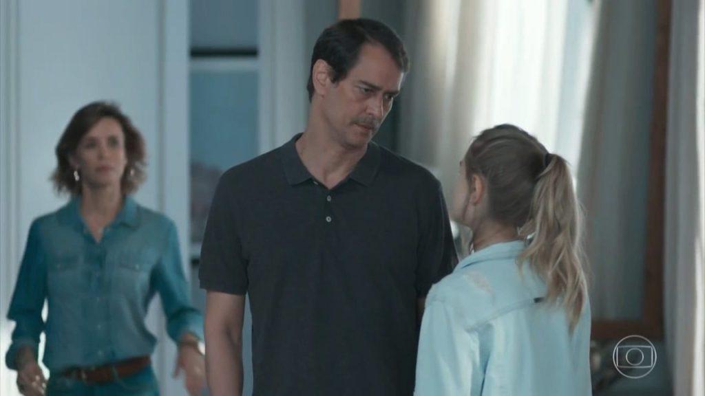 Malu, Edgar e Clara formam uma família para lá de maluca em Malhação