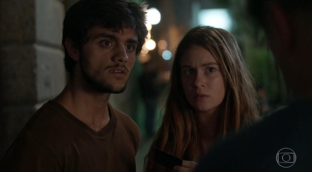 Jonatas e Eliza nas primeira cenas de Totalmente Demais