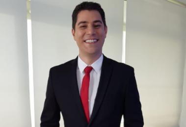 Evaristo Costa comemora o Dia do Jornalista (Foto Reprodução)