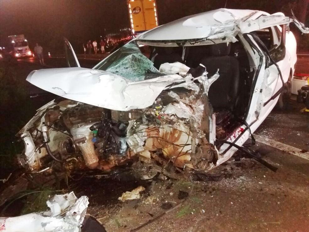 Jogador morre em trágico acidente de carro e mundo chora com ocorrido (Foto: Reprodução)
