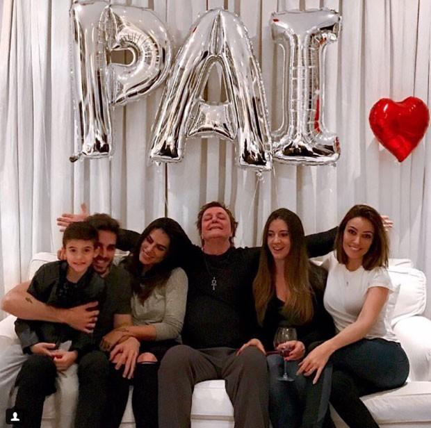 Fábio Jr. com os cinco filhos - Foto: Reprodução