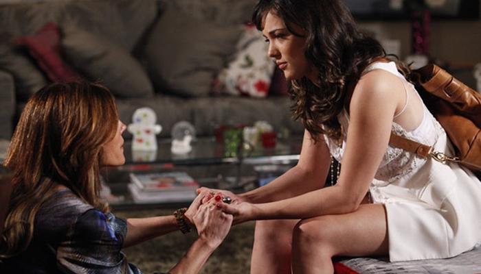 Tereza Cristina (Christiane Torloni) se reconcilia com Patrícia (Adriana Birolli) em Fina Estampa (Foto: Reprodução/Globo)