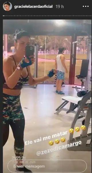 Graciele Lacerda apareceu apalpando as partes íntima de Zezé Di Camargo (Foto: Reprodução/ Instagram)