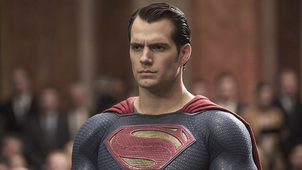 Henry Cavill comments on tweets that are hot with the fans and has a reaction, good to read the posts (Photo: Playback)