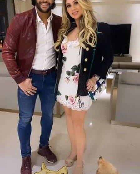 Hulk e a ex-sobrinha, agora noiva, Camila Ângelo - Foto: Reprodução
