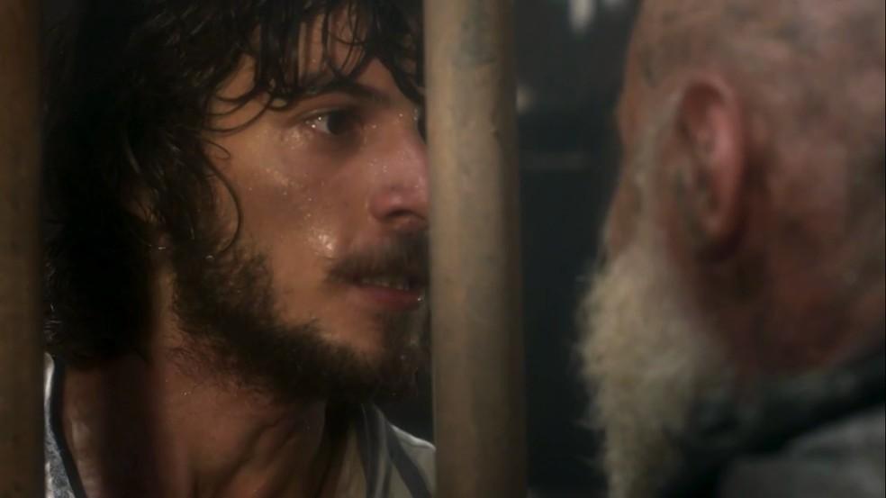 """Joaquim acaba em """"prisão"""" após voltar a vida em Novo Mundo"""