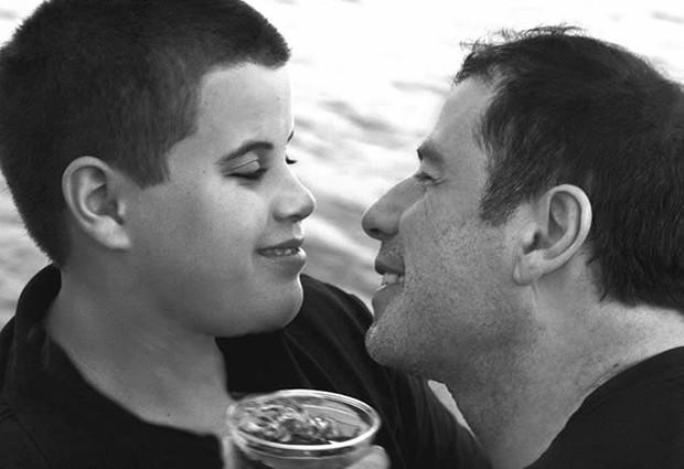 John Travolta publica homenagem no dia que filho, Jett, faria 28 anos de idade - Foto: Reprodução