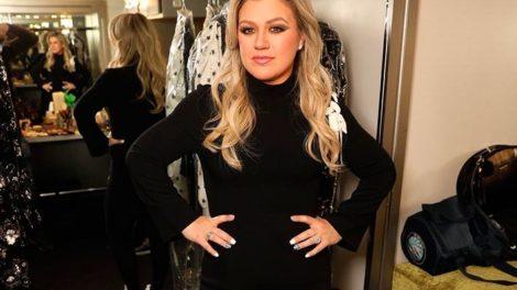Em meio à quarentena, Kelly Clarkson confessa: que usou o penico do filho (Foto: Reprodução)