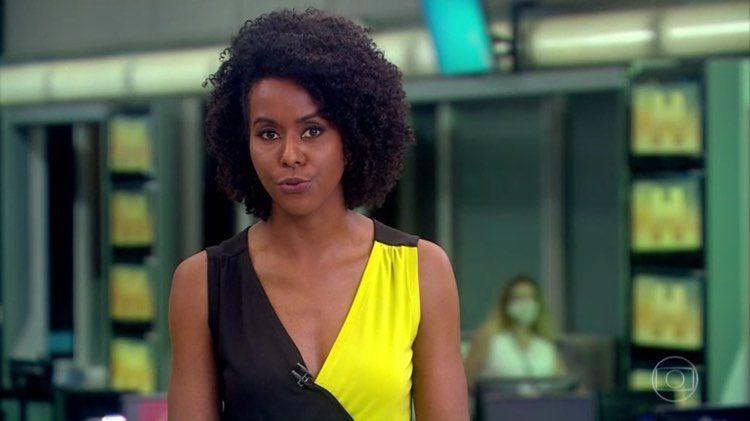 Maju Coutinho apresenta o Jornal Hoje que ganhou mais espaço no último mês na grade da Globo (Imagem: Globo)