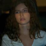 Rita (Alanis Guillen) é encontrada em cativeiro no último capítulo de Malhação: Toda Forma de Amar (Foto: Reprodução/Globo)
