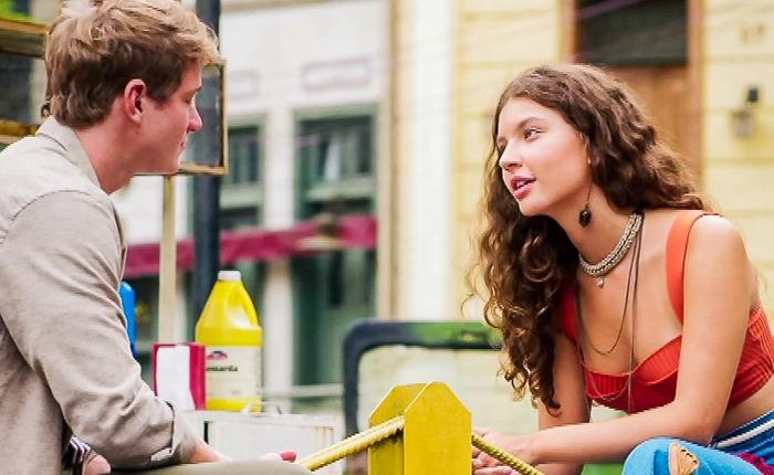 Filipe (Pedro Novaes) e Rita (Alanis Guillen) em cena final de Malhação: Toda Forma de Amar (Foto: Reprodução/Globo)