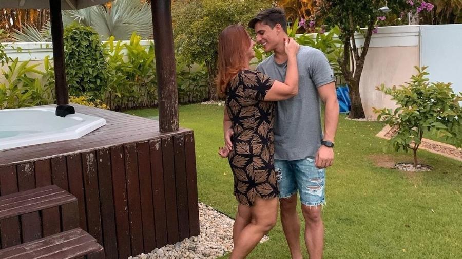 Nadine Gonçalves, mãe de Neymar, assume namoro com rapaz de 23 anos (Foto: Reprodução/ Instagram)