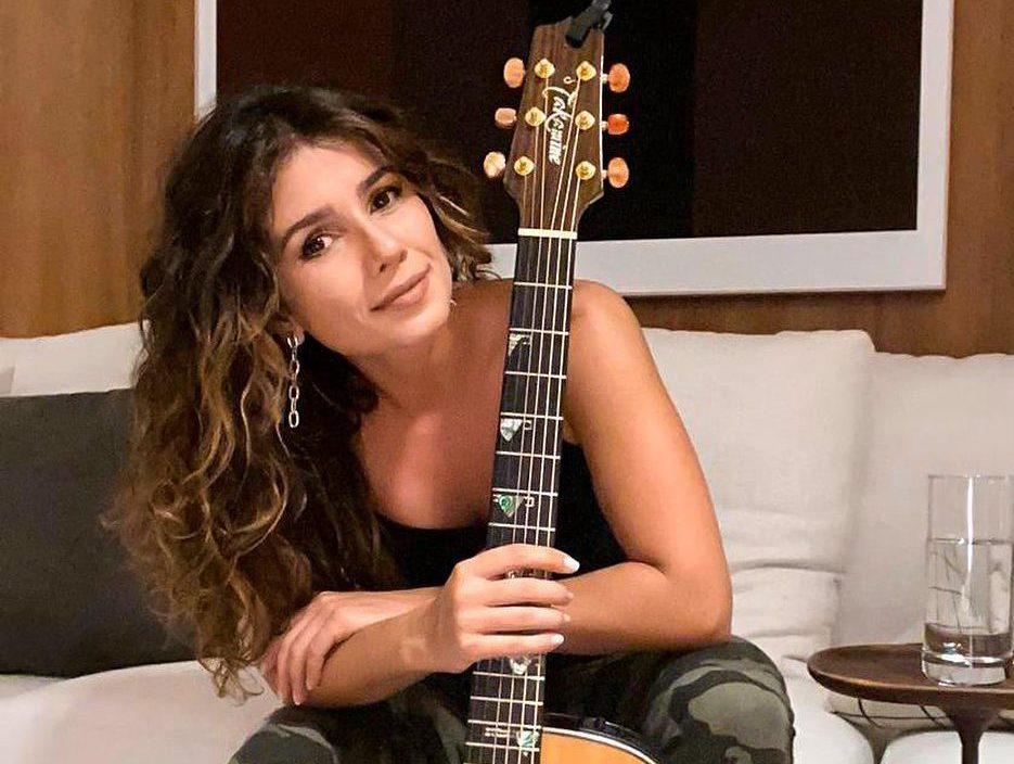 A cantora sertaneja, Paula Fernandes (Foto: Reprodução)