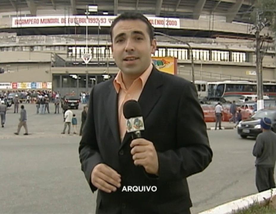 O repórter em sua estréia na Record (Foto: reprodução/Record)